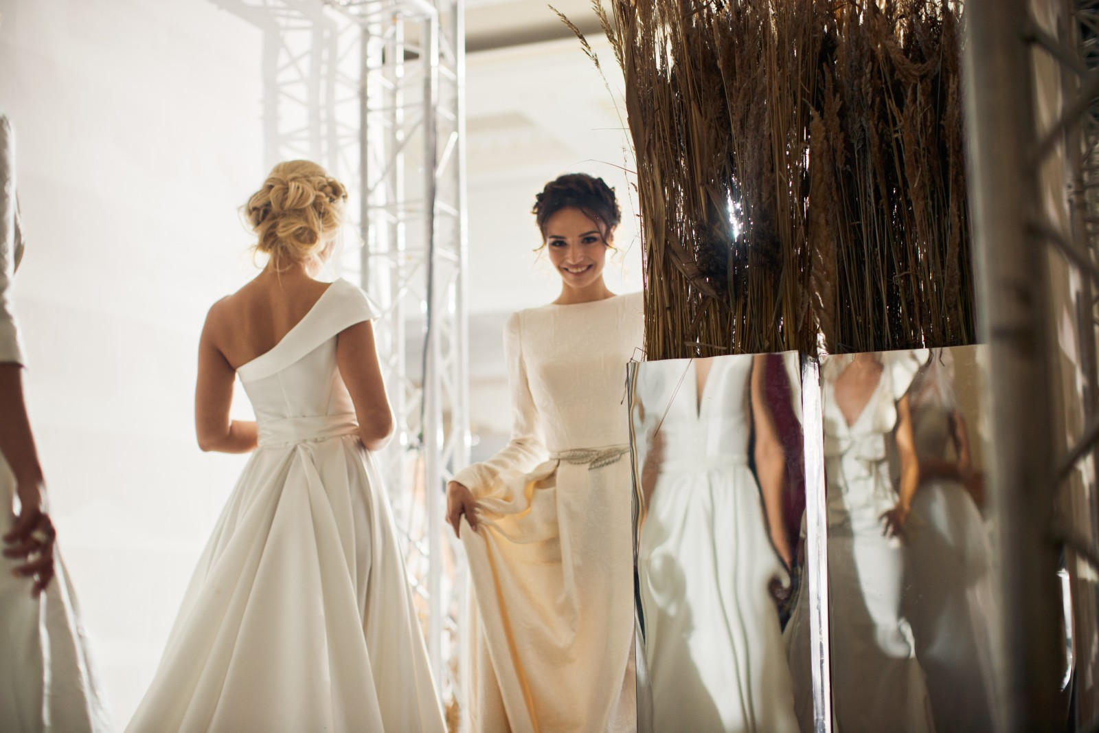 Backstage White Sposa Fashion Day